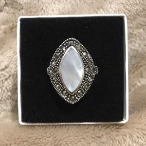 Mother of Pearl Marcasite Sterling Silver Ring 8